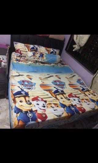 MOVING OUT SALES COMFORTER BEDSHEET SET PAW PATROL AND MICKEY MOUSE WITH FRIENDS