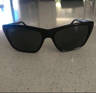 Ray Ban Sunglasses *AUTHENTIC*