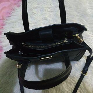 SALE‼️charles & keith bag