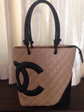 194cd574916995 chanel canvas tote | Luxury | Carousell Singapore