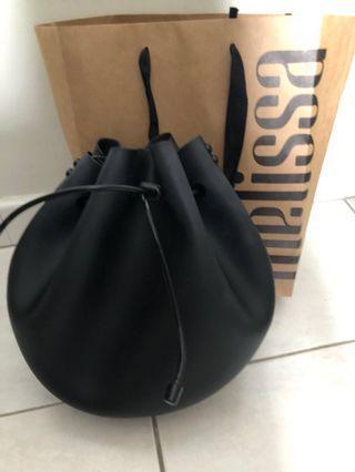 🚚 Melissa bucket drawstring bag