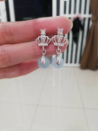 Crystal earing