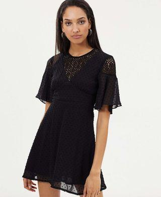 Atoms&here Lace Sleeve Dress