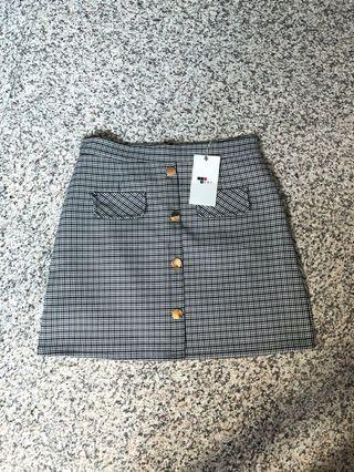 🚚 TEMT checkered skirt size 10