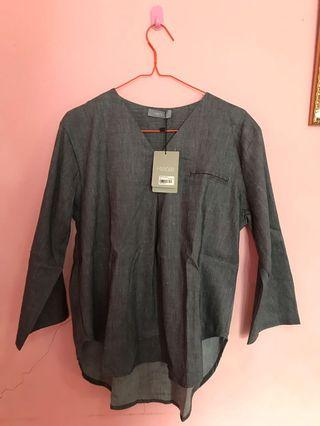 NEW! Grey blouse