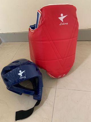 跆拳護甲及頭盔