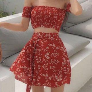 🚚 Two-piece off-shoulder floral set