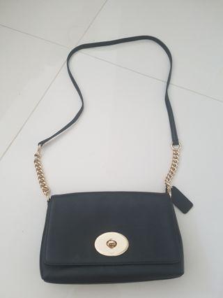 🚚 COACH Small Sling Bag (Black)