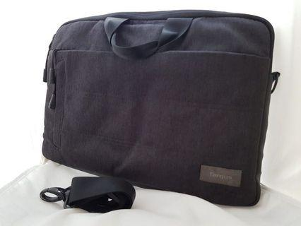 "14-15"" Classic topload Targus case bag for sale."