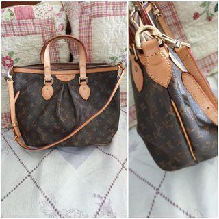 LV Handbag bag with detachable strap. Unused