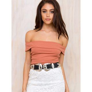 MINK PINK RUST PRIMADONNA OFF THE SHOULDER TOP - SIZE XS/8 AU (RRP $30)