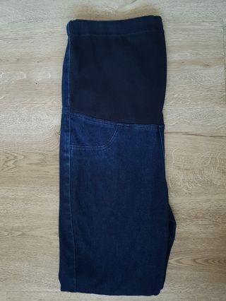 Denim blue Uniqlo Maternity Jeans #EndgameYourExcess