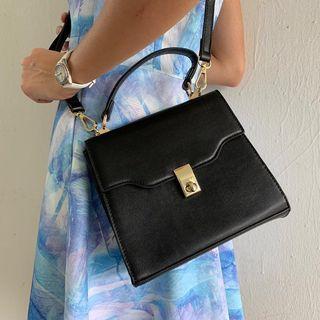 🚚 BN Sling bag
