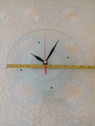 玻璃挂钟一个
