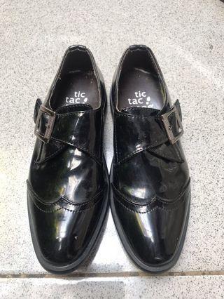Preloved pantofel shoes