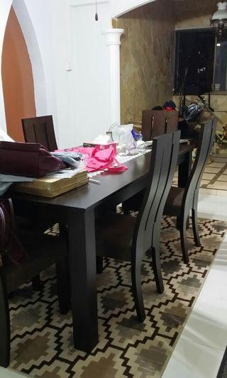 🚚 Dining Table And 6 Chairs