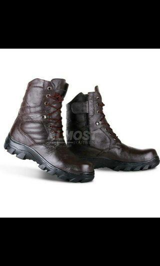 sepatu boots al moust