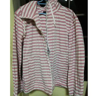 Striped hooded sweat shirt (pink and white)