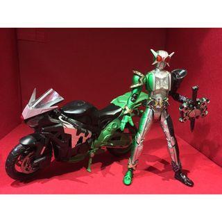 SHF SHFiguarts Kamen Rider W Cyclone Joker Extreme & Hardboilder (bike/motor)