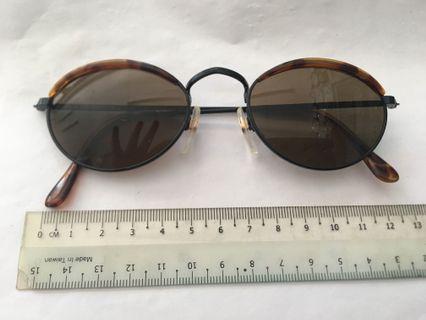 Liz Claiborna sun glasses