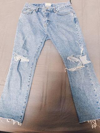 韓國購入,破壞牛仔褲,二手八成新,男生必備