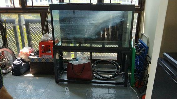 🚚 3ft x 1ft x 1ft CUSTOM FISH TANK FOR SALE! 3FT EHEIM SUBMERSIBLE PUMP, SUBMERSIBLE LIGHT and BIOHOMME INCLUDED!