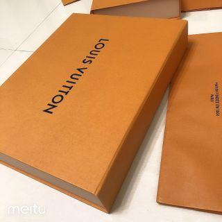 專櫃正品 Louis Vuitton 路易威登 LV 磁盒 磁扣 磁吸 原廠盒  紙盒 橘色 斜背包 手拿包 扁包 圍巾