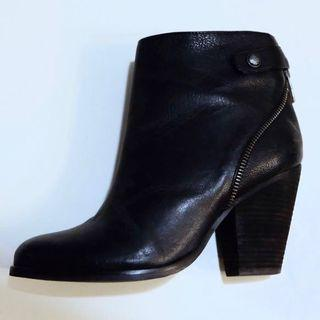 Vince Camuto 6.5 Black Booties