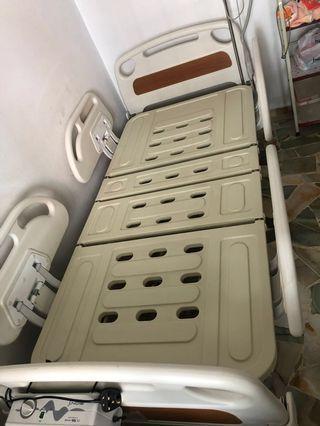 Electric bed with air mattress pump...foc mattess