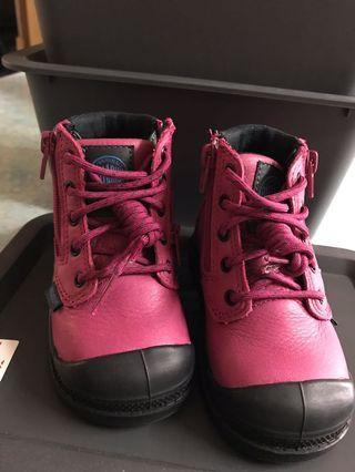 Palladium 粉紅boot仔