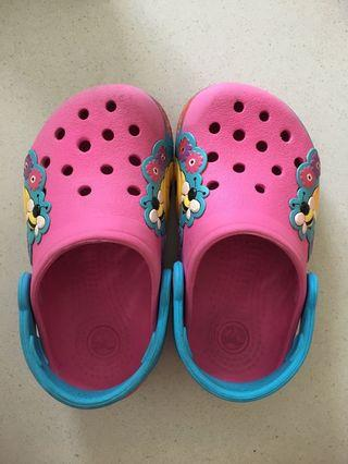 Crocs girl shoes