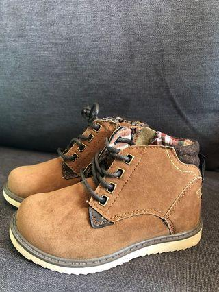 H&M boys brown boots