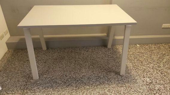 烤白工作桌兼辦公桌