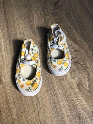 Sepatu anak mothercare size 20,5