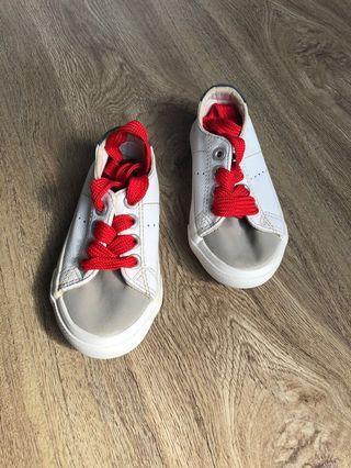 Sepatu cotton on KiDs size 24, hanya sekali pakai kondisi 99%