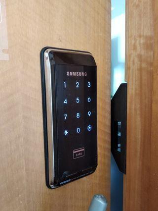 🚚 Digital door lock