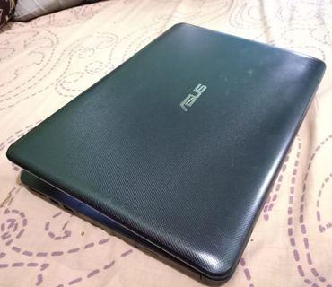 Laptop ASUS X455WA AMD E1-6010 R2 RADEON Kapasitas Ram 2GB Hardisk 500GB Sudah dilengkapi dengan fasilitas HDMI