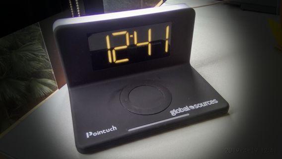💗紀念品:無線充電器(連鬧鐘)