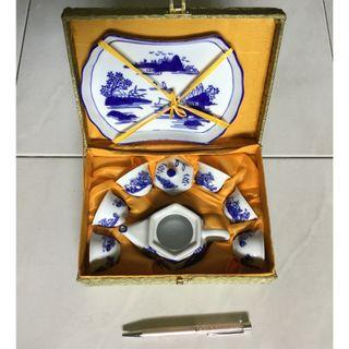 Chinese small size porcelain tea set