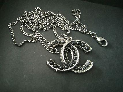 🚚 Chanel reverse side necklace