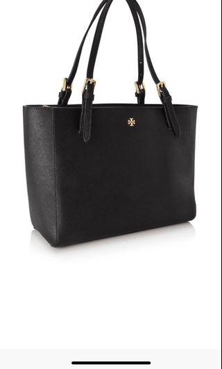 🚚 Tory Burch York Small Buckle Tote