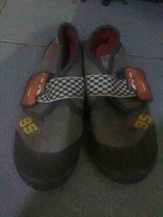 sepatu cars disney original