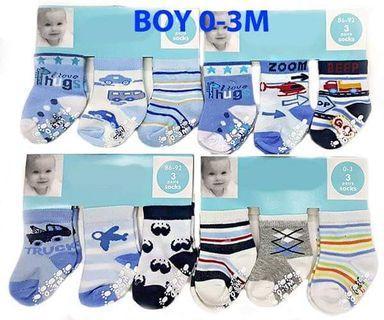 3 IN 1 CARTERS BABY SOCKS (0-6M)