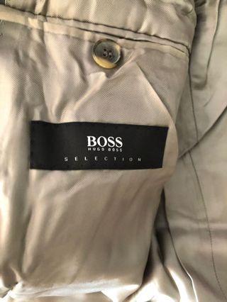 🚚 Hugo Boss suit size 46