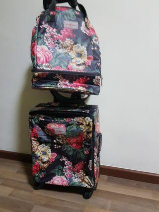 🚚 Cabin luggage and sling bag