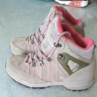 Sepatu gunung lafuma original