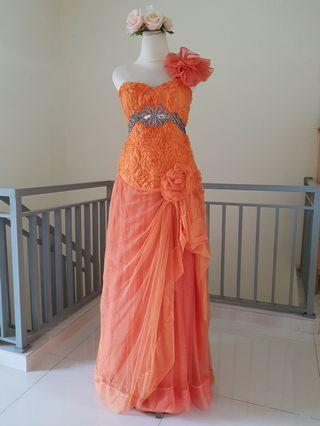 Evening dress / gaun pesta bunga oranye