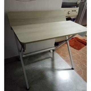 Clearance:: Writing Desk ($40 Self , Collect at Woodlands)