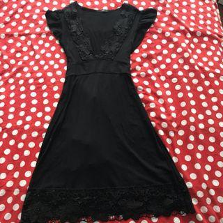 Jane Norman Size 10-12 (M) Plunge V Neck Dress