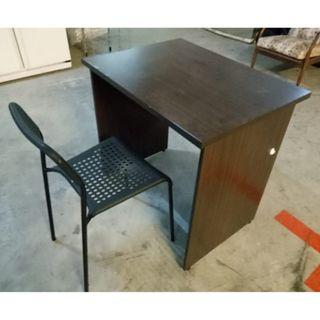 Clearance: Desk+chair ($40, Self collect  11 woodlands close